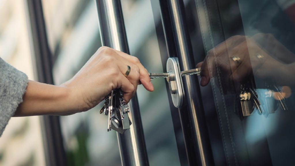 Security is our name: R&S®Trusted Gate makes working from home safe.