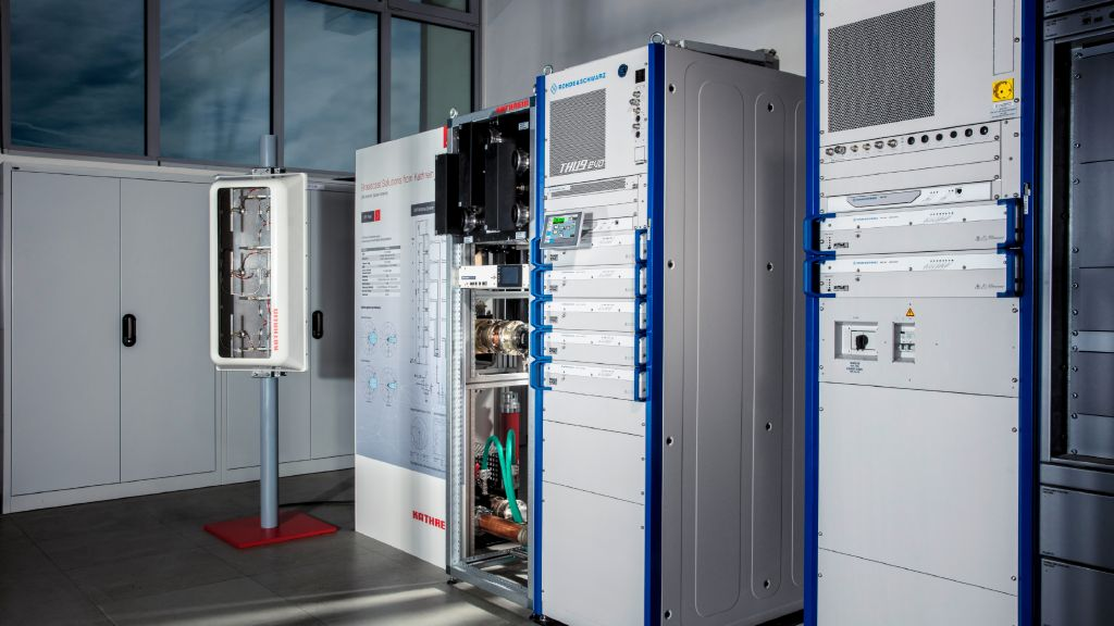 This Rohde & Schwarz prototype transmitter in Ismaning was used in the German 5G Today field trial in municipal Munich.