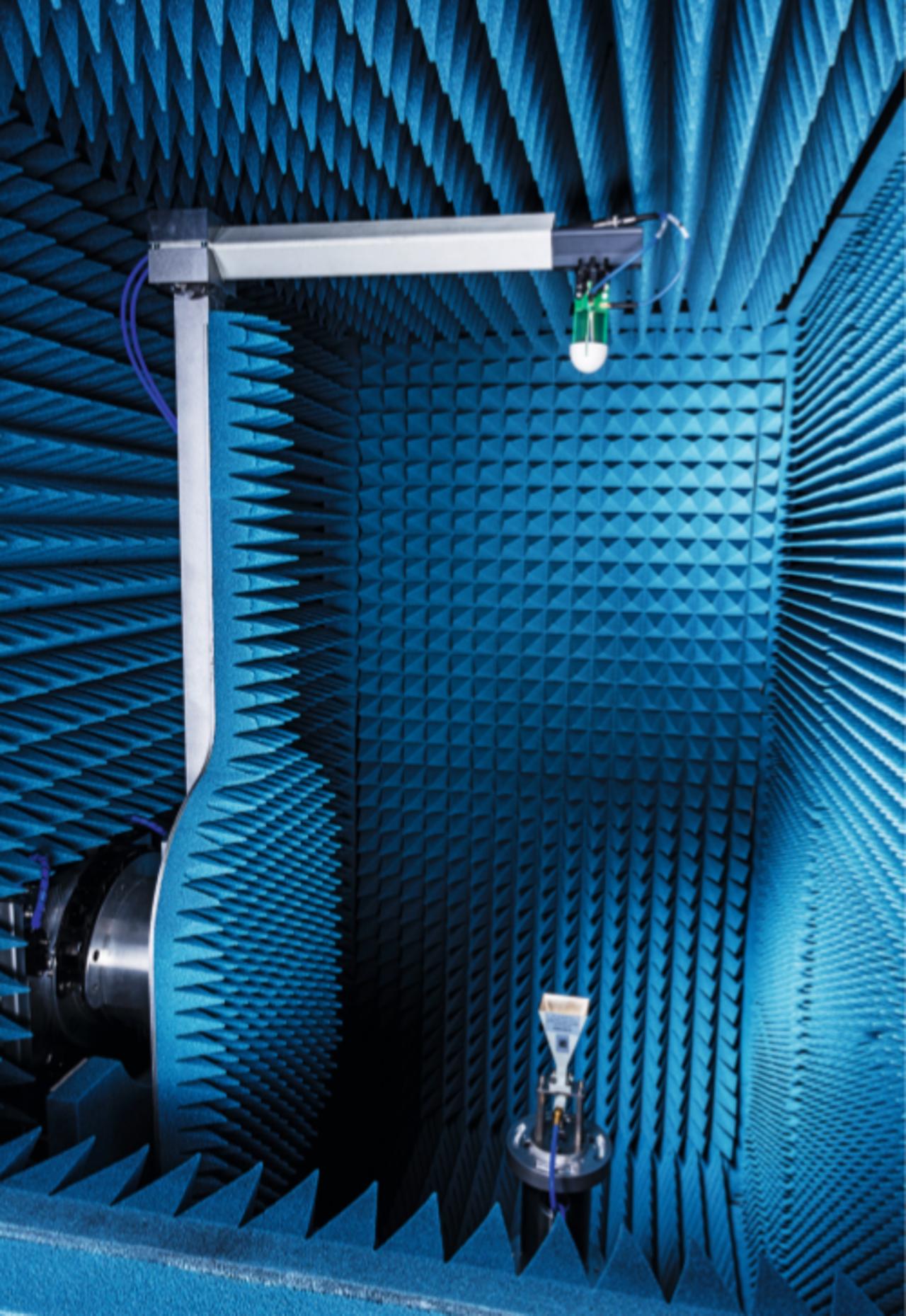R&S®ATS1000 con posizionatore integrato ad alta precisione.