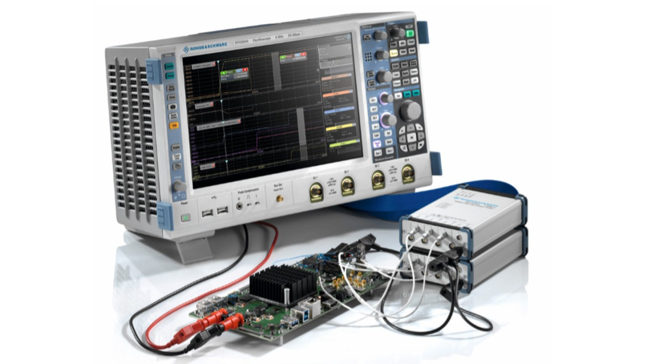 Combining two R&S®ZVC multi-channel probes with an R&S®RTE1000 or R&S®RTO2000 four-channel oscilloscope allows measuring up to 20 voltages in parallel.