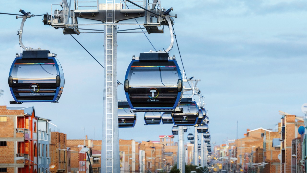 In La Paz, the cable car became a popular mode of transportation within a very short time.