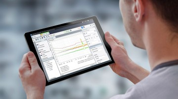 The modern GUI of the R&S ELEKTRA EMC test software is optimized for touch operation on handheld devices.