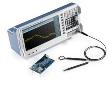 Spektrumanalysator der Einstiegsklasse R&S FPC1000 mit Nahfeldsondensatz für die entwicklungsbegleitende EMV-Fehlersuche