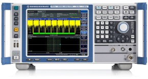 Phase noise measurement at 1 kHz to 100 MHz from the carrier: The dynamic range that is limited by the thermal inherent noise at large carrier offsets can be improved by noise correction.