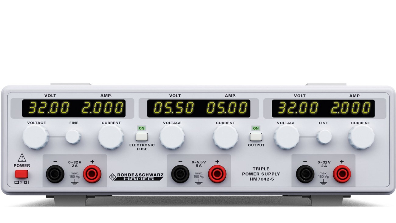 R&S®HM7042 Triple Power Supply