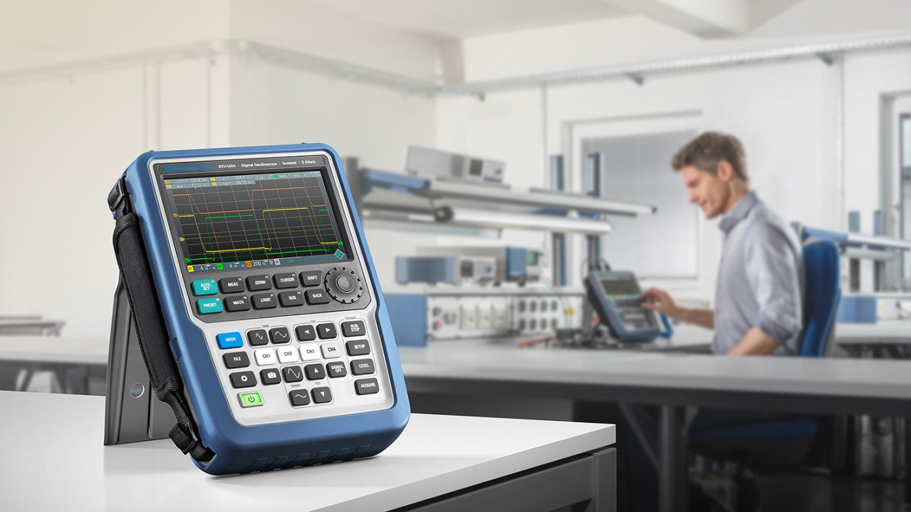 The oscilloscope R&S®RTH in the labor