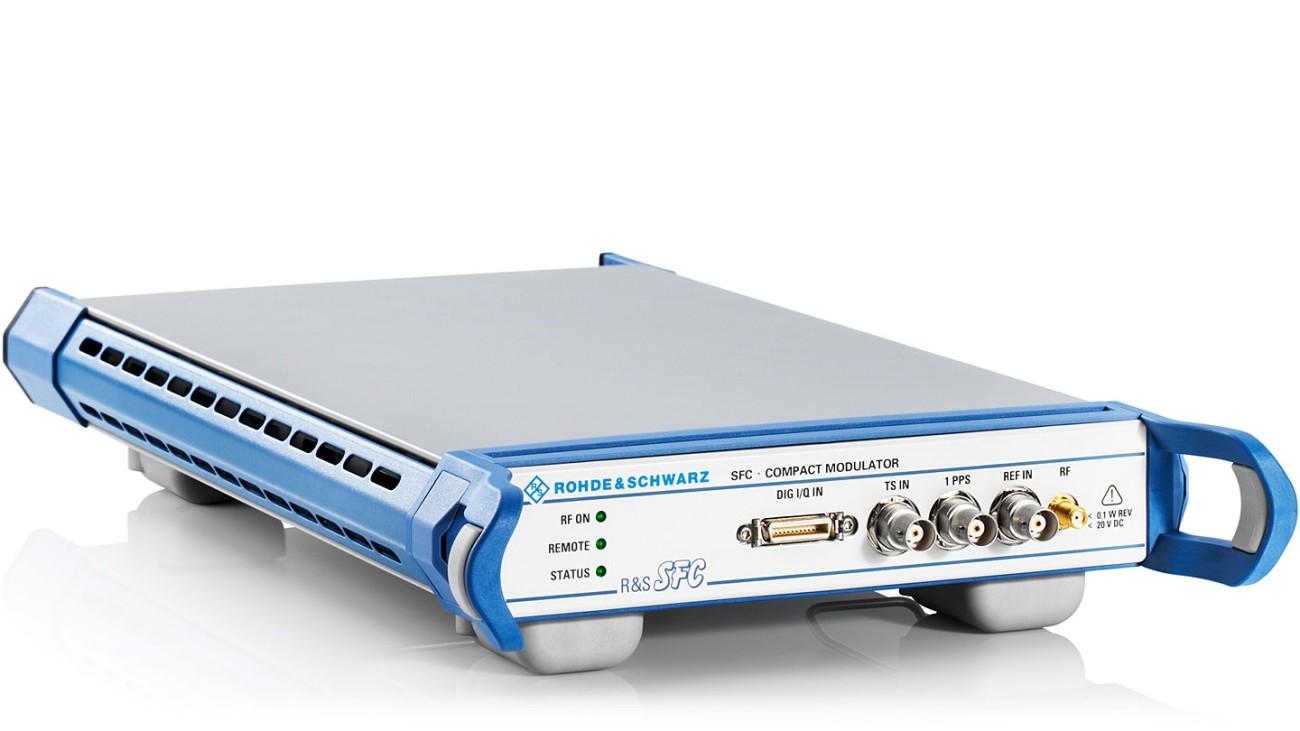 R&S®SFC compact modulator, side view