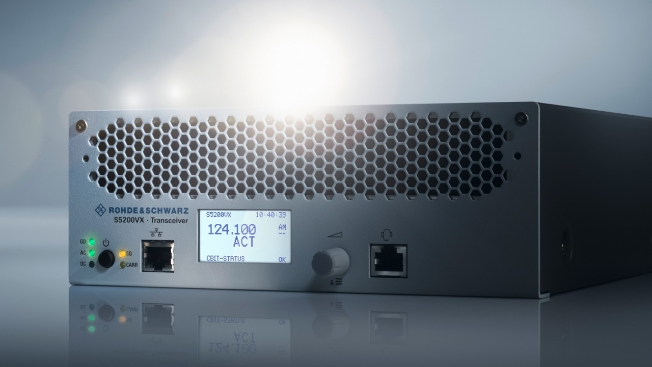 R&S®Series5200 ATC radios for voice and data communications