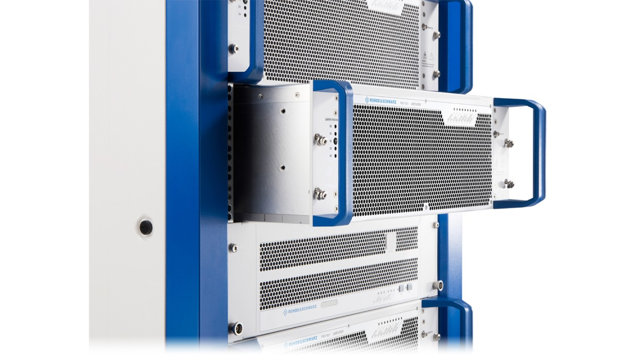R&S®TMV9evo air-cooled VHF transmitter