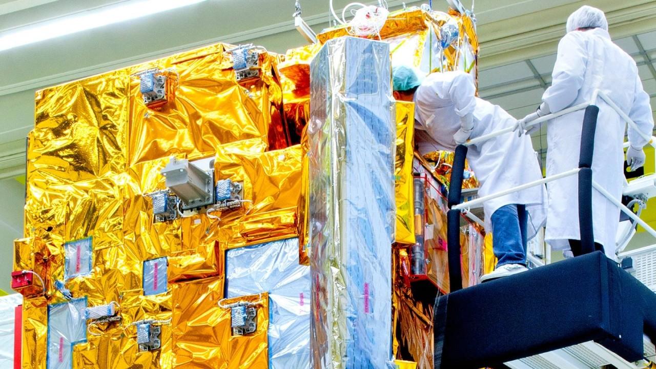 Tests von Satellitenkomponenten