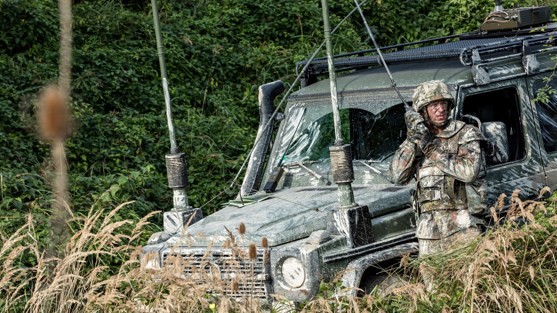 Tactical radio communications | Rohde & Schwarz