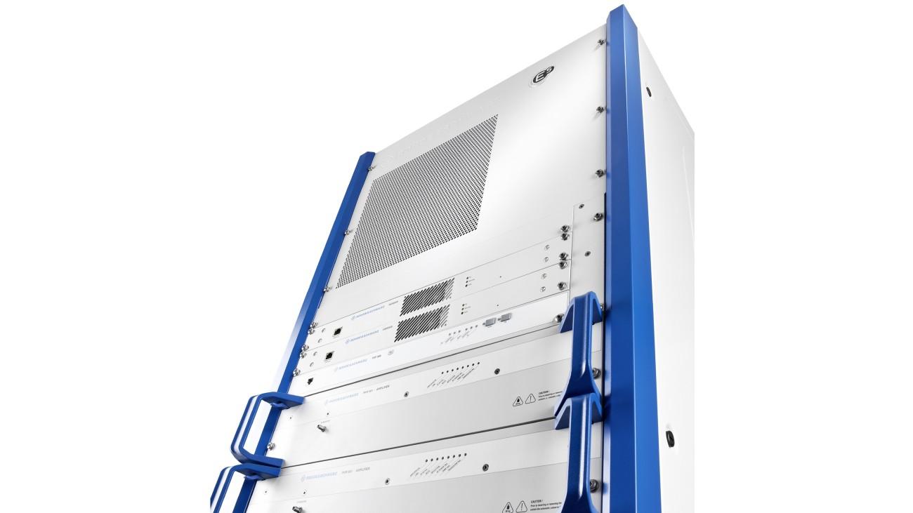 R&S THR9 high-power FM radio transmitter