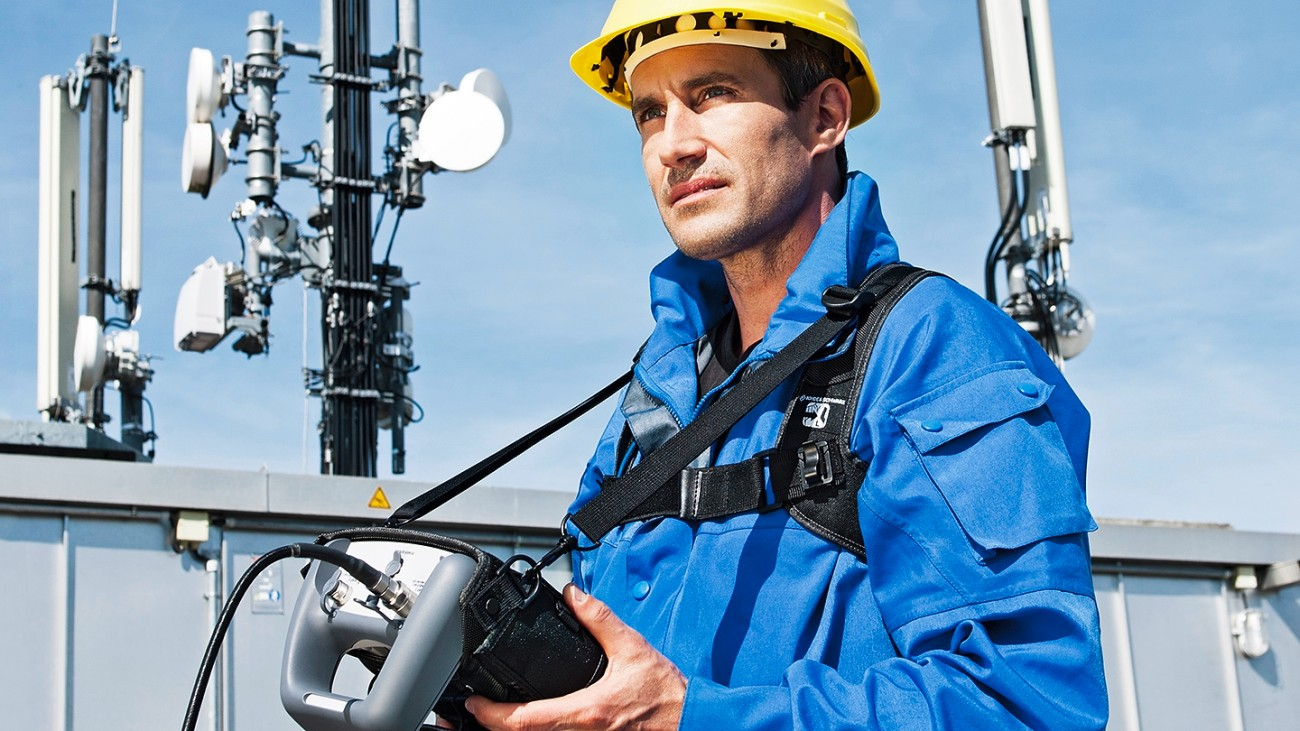 Testing passive networks in a distributed antenna system (DAS)