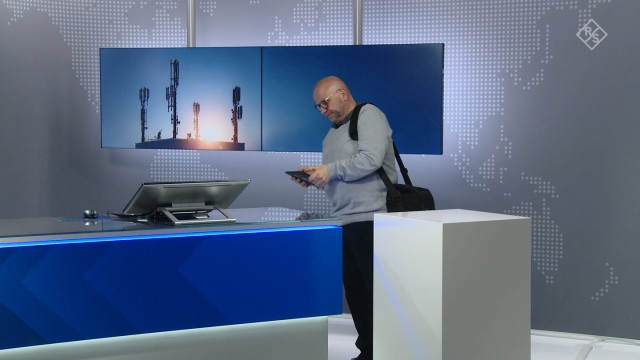 R&S®5G STS demonstration of RF and 5G signal decoding