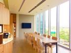 明亮寬敞的空間,提供同仁更舒適的工作環境 -